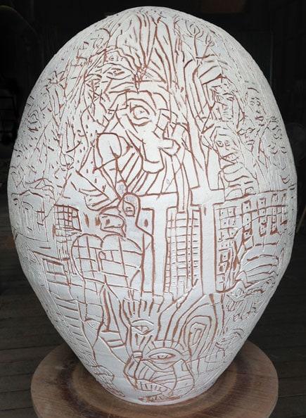'La Luta Continua', 2013, Dry glazed ceramic, 80 x 70 x 70 cm