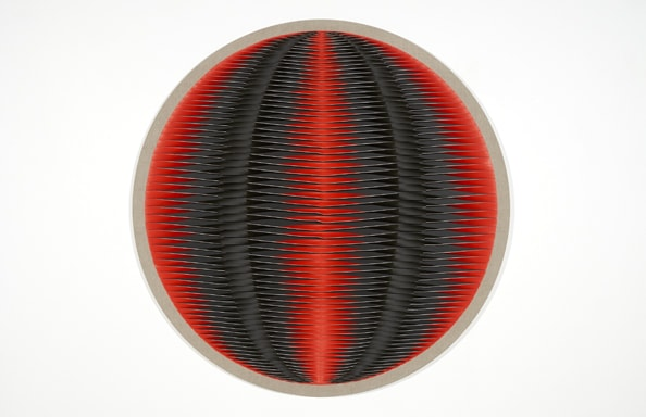 Liquid Light: 76 Degrees, 2013, acrylic, Belgium linen, pins, timber, 115 cm diameter
