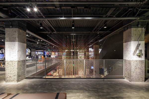 Epic 8000, 2013, glass beads, cable wire, 4.5 x 9 x 6 m. Courtesy of Nike Store San Francisco