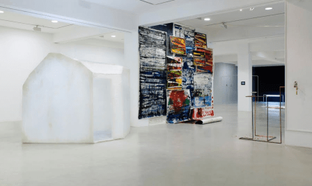 Locust Jones exhibition 'BOVE-EXPAT' curator talk in Dusseldorf