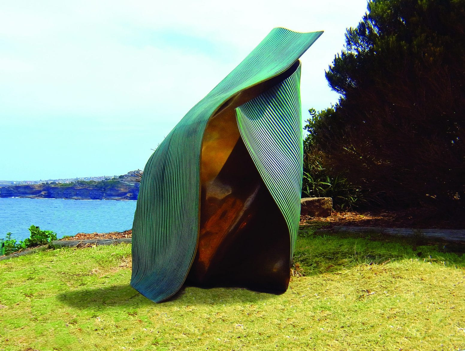 'Folded 3', 2012, bronze, 144 x 93 x 114 cm, edition 1 of 12
