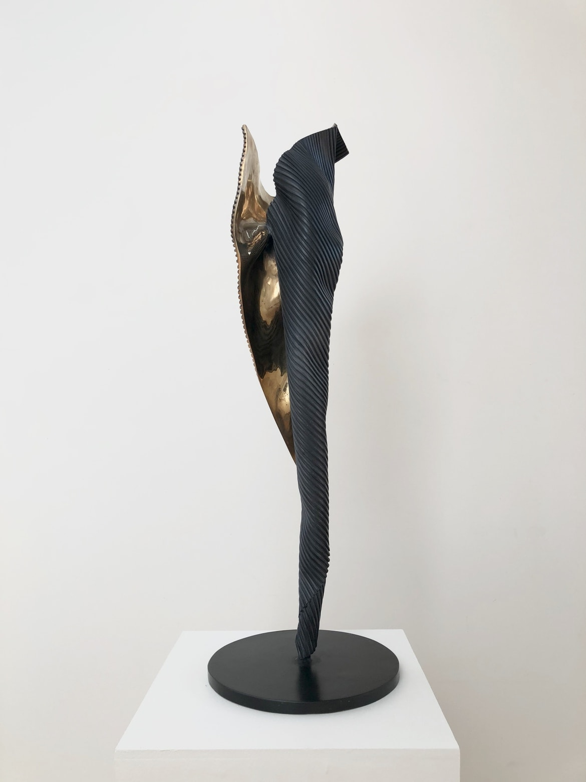 'I Am IV', 2016, bronze, 102 x 30 x 25 cm, edition of 12 + 1AP